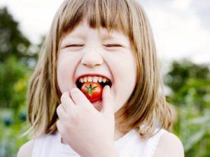 Read more about the article Como desenvolver hábitos alimentares saudáveis na infância